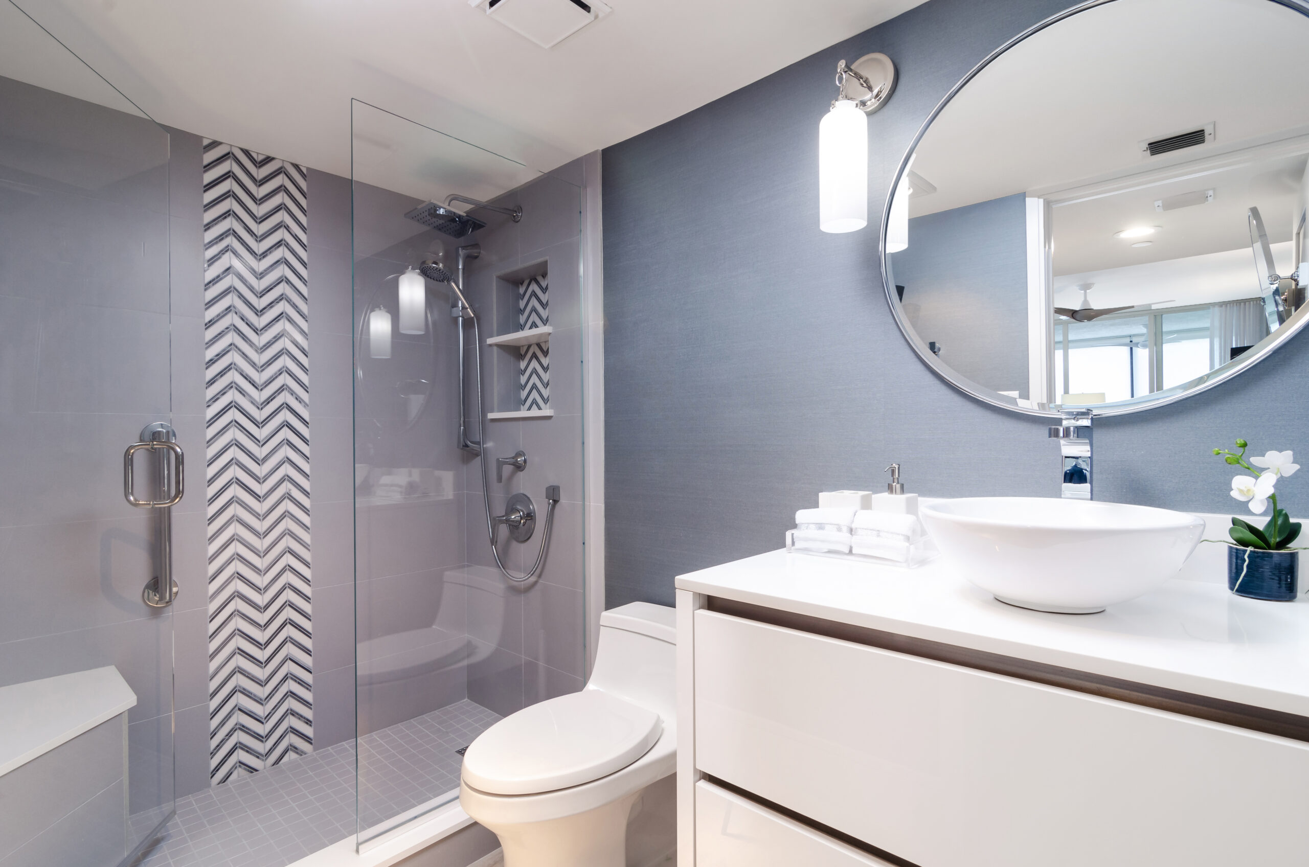Naples Condo Remodeling with Guest Bathroom